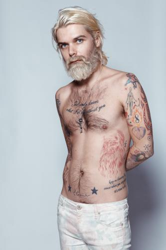 Simon Neil of Biffy Clyro photographed for the NME by Tom Oxley