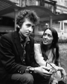 American electric folk hero Bob Dylan (born Robert Zimmerman) and singer