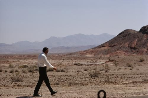 Sean Connery strolls through the desert during the making of the James Bond film 'Diamonds Are Forever'.