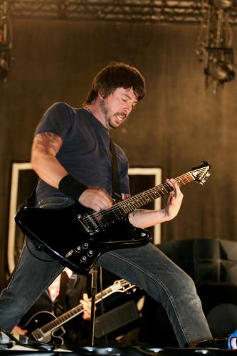 Dave Grohl of The Foo Fighters on stage at the Isle of Wight Festival 2006.