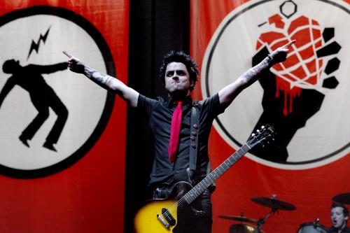 Billie Joe Armstrong of Green Day photographed on stage by Stephen Albanese in 2005 Sonic Editions print