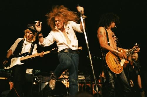 Guns N' Roses at the Street Scene in Los Angeles. The first gig in which Slash used a Les Paul. September 28