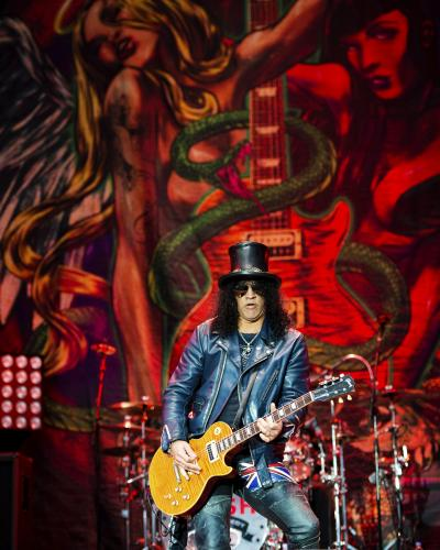 Slash performs on the Jim Marshall main stage during day 1 of Download Festival at Donington Park on June 8