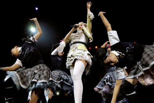 Gwen Stefani photographed on stage by Stephen Albanese in December 2005 Sonic Editions print