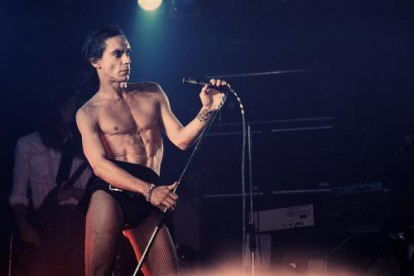Iggy Pop photographed mid performance in 1977
