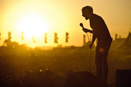 Ricky Wilson of The Kaiser Chiefs at Glastonbury 2011.