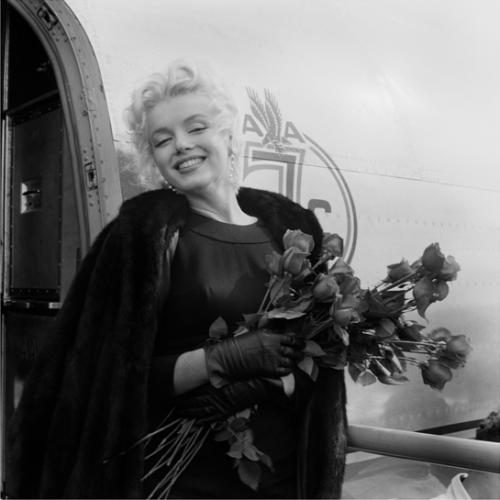 Marilyn Monroe getting off a plane in Los Angeles. This shoot inspired him to pitch a celebrity series ad campaign to American Airlines. A phenomenal campaign ensued with a superior cast
