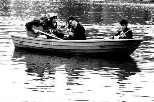 Mumford & Sons enjoy a boat outing in Regents Park