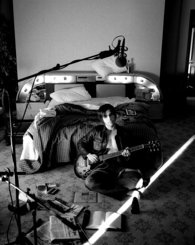Kelly Jones of The Stereophonics during a relaxed recording session