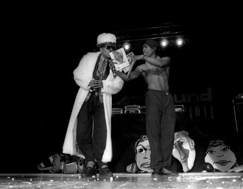 Tupac & Digital Underground perform live.