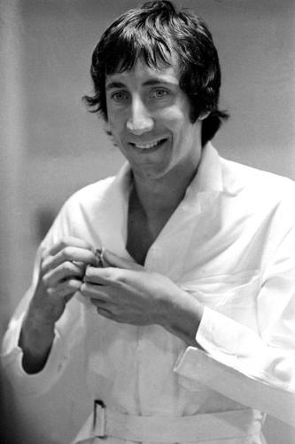 Pete Townsend of the Who gets ready to go on stage in Detroit.